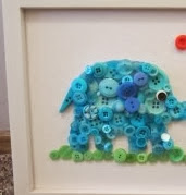 http://un-mundo-manualidades.blogspot.mx/2012/08/cuadro-infantil-con-botones.html