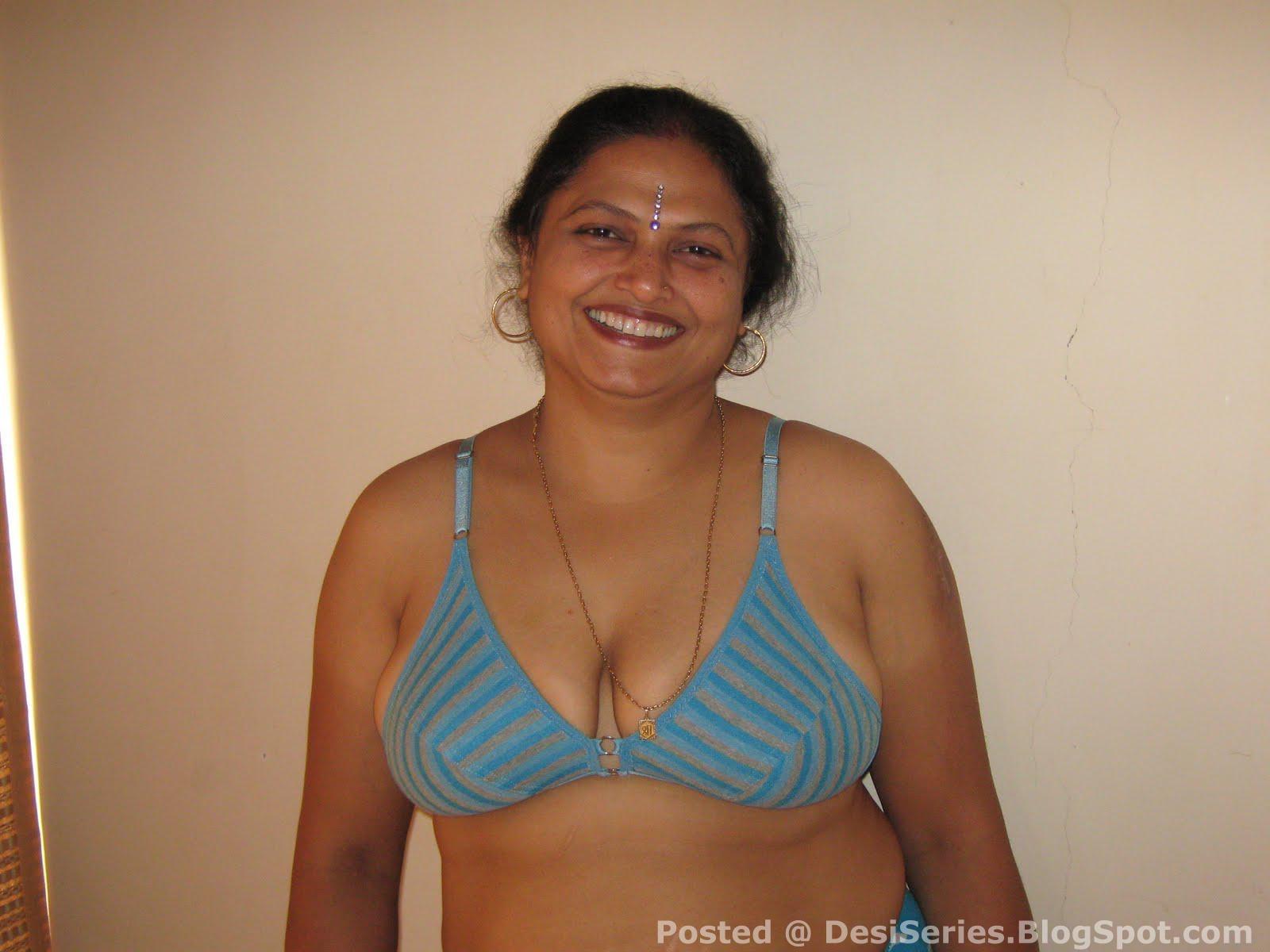 Shrimati+Indian+Aunty+%5BDesiSeries%5D+(1).jpg
