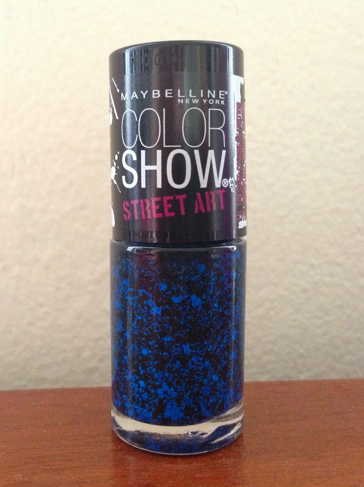 auxiliary beauty: Review: Maybelline Nighttime Noise