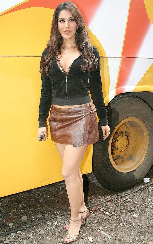 Sophie Chaudhary nice hot upskirt