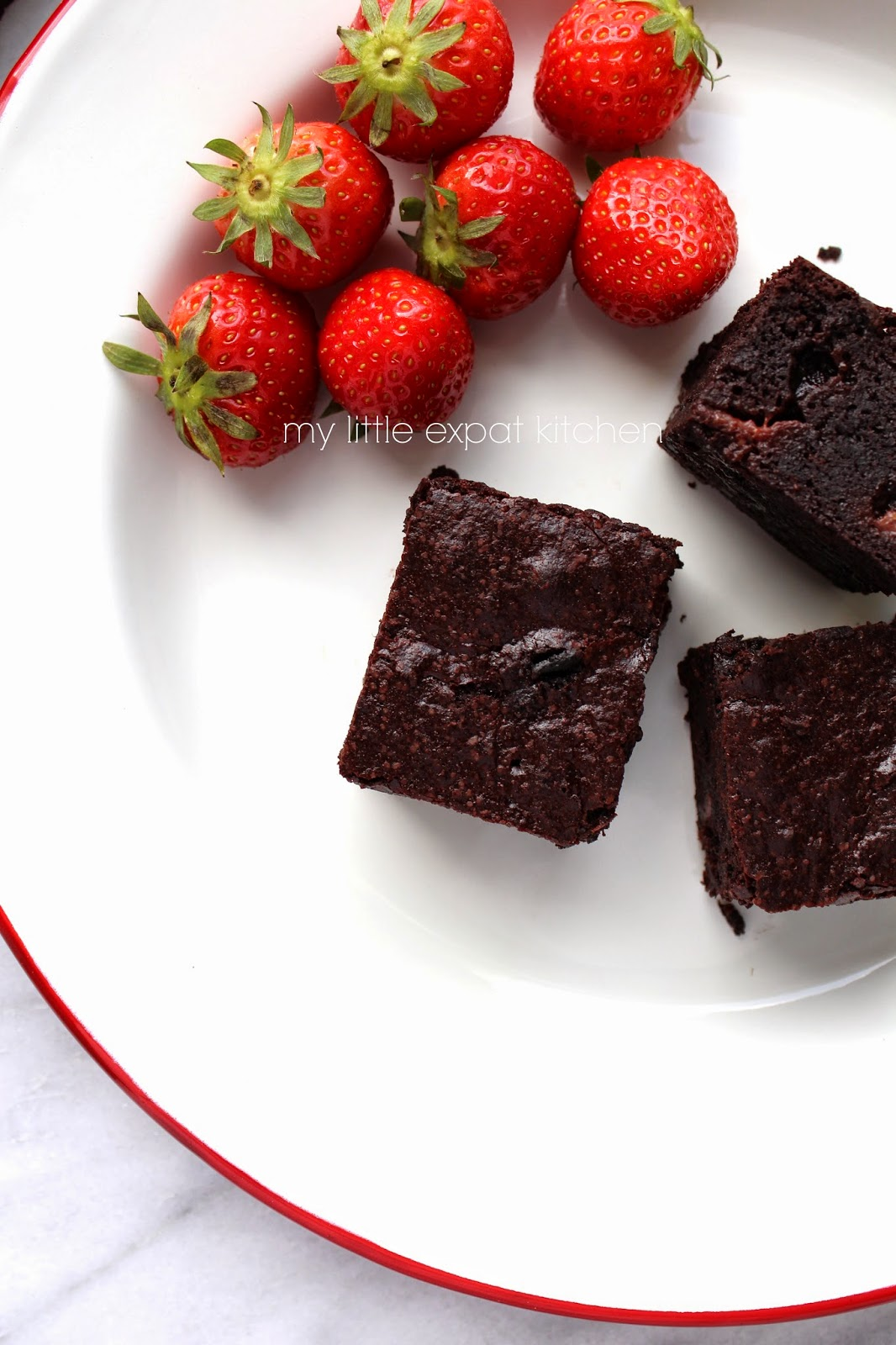 Fudgy cocoa and strawberry brownies