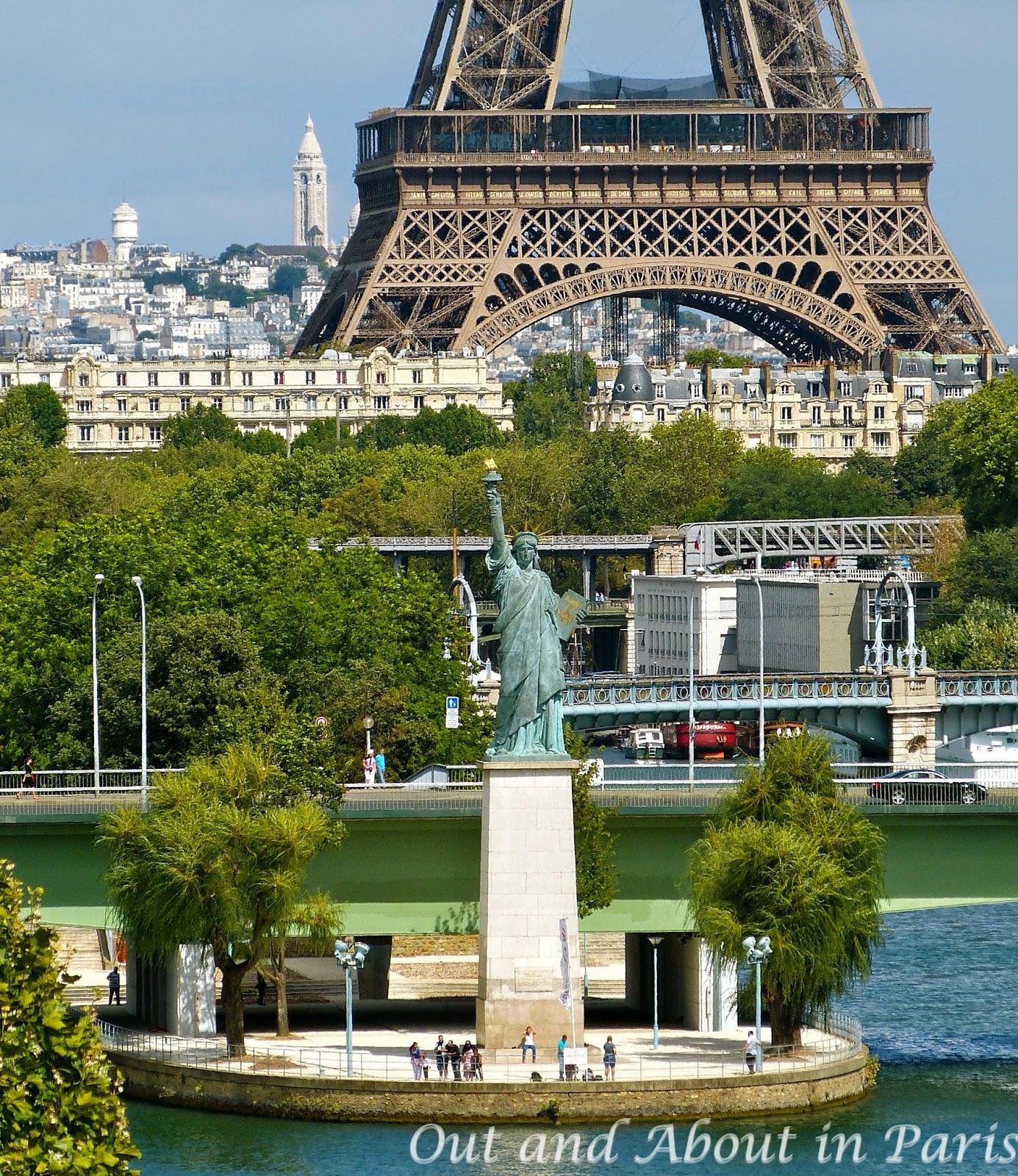 mini statue de la liberté paris
