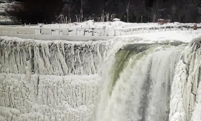 CANADA-WEATHER-NIAGARA FALLS-FREEZE