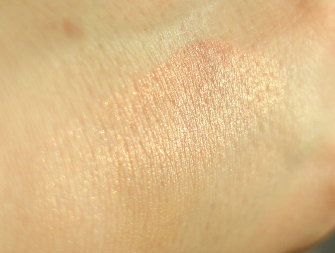 i-glow swatched