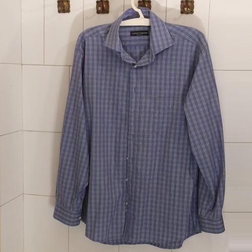Középkék férfi ing, halvány kék rácsos mintázatú, hosszított fazon