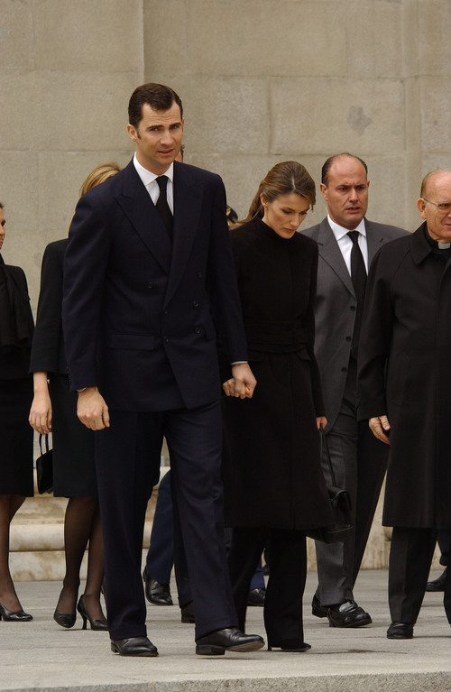 Vestido negro que se usa en funeral