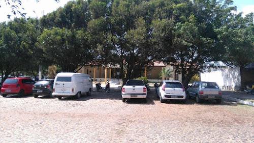 Florentino dificulta transição e equipe de Mão Santa se reúne embaixo de árvore