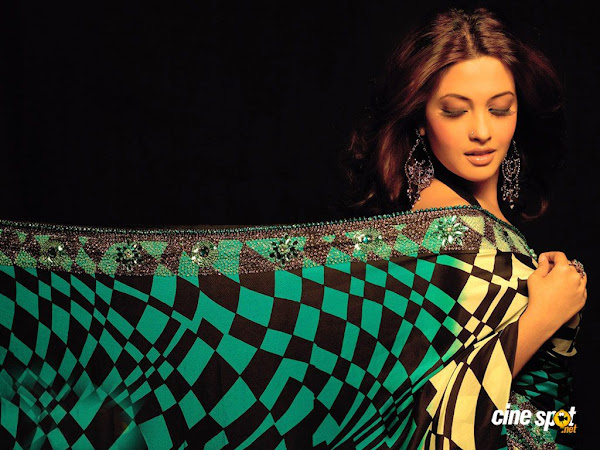 Riya Sen latest Wallpaper collection