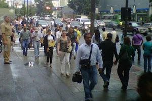 Segun el censo realizado en 2011 El estado Zulia cuenta con 3.703.639 habitantes