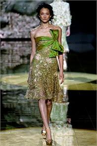 robe de soirée princesse gala canne haute couture défilé elie saab robe verte vert dentelle