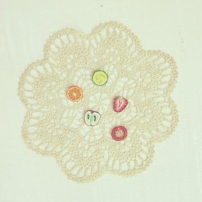 ByHaafner, crochet, doily, buttons