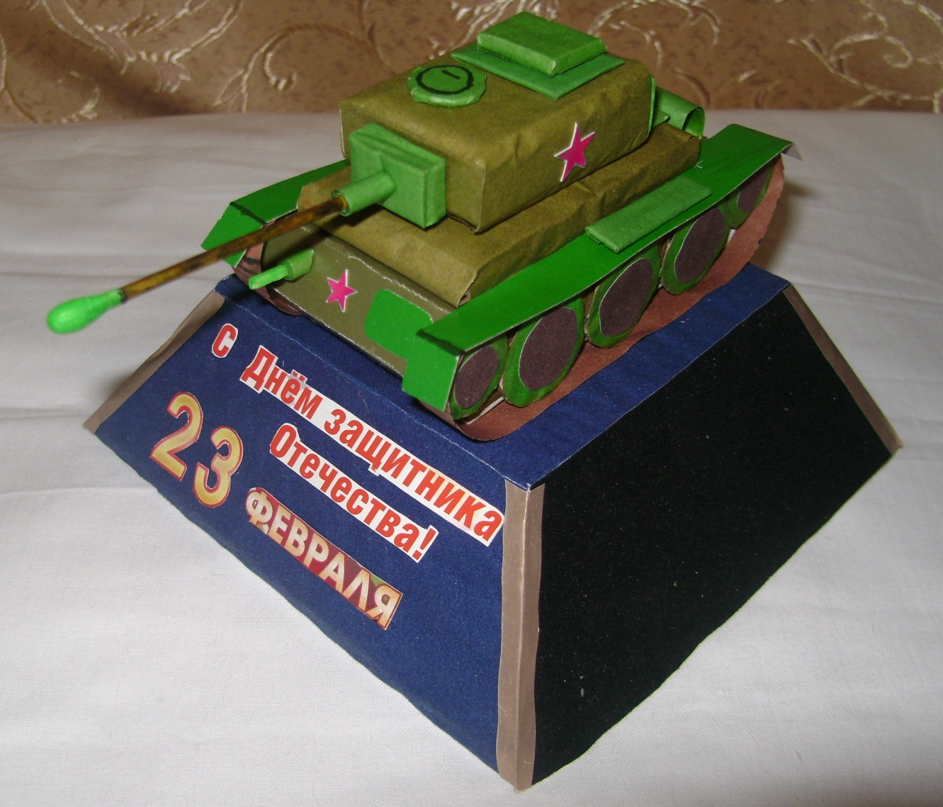 Делаем танк из спичечных коробков вместе с детьми 59