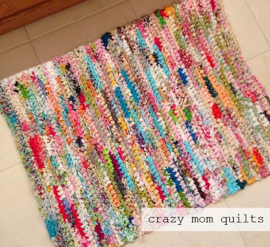 Crocheting Rag Rugs Tutorial : crochet+rag+rug+2.jpg