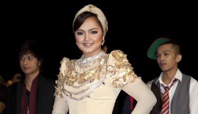 Gambar Lagu Falling In Love Siti Nurhaliza Di Youtube