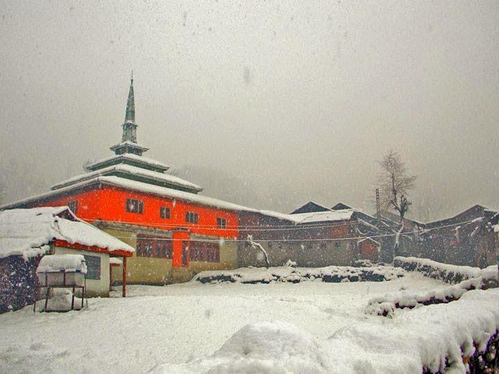 neelum valley snowfalling