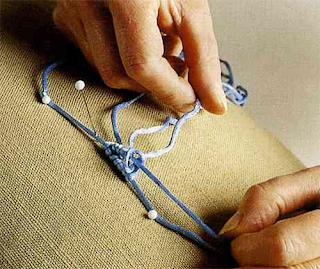 Плетеные цветы — лучшее украшение для любимых аксессуаров