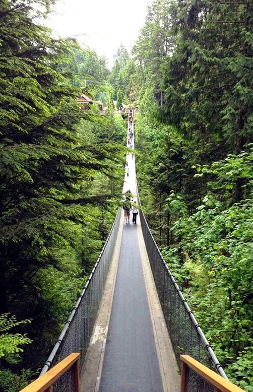Capilano-Suspension-Bridge-Vancouver-Canada