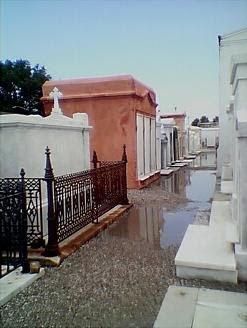 The crowed tombs of Saint Louis Cemetery #1 hold over 150,000 bodies including that of Marie Lavaeu and is thought to be one of the most haunted cemeteries in the world.