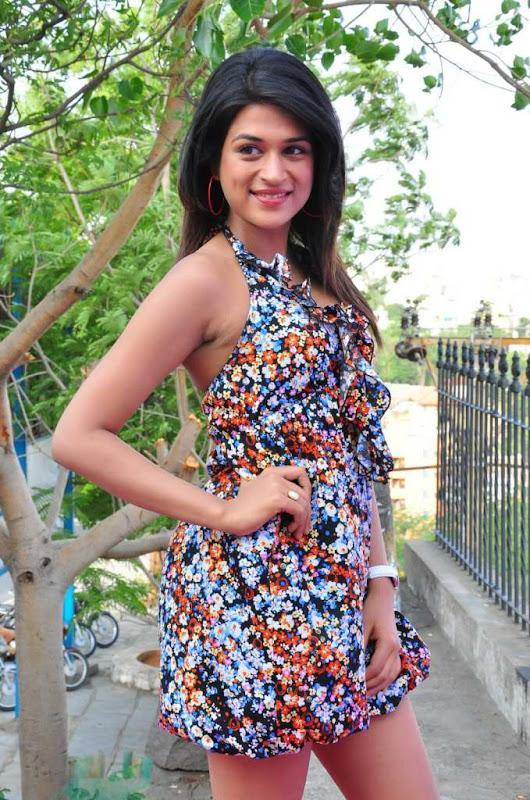 Actress Shraddha Das Cute Stills hot images