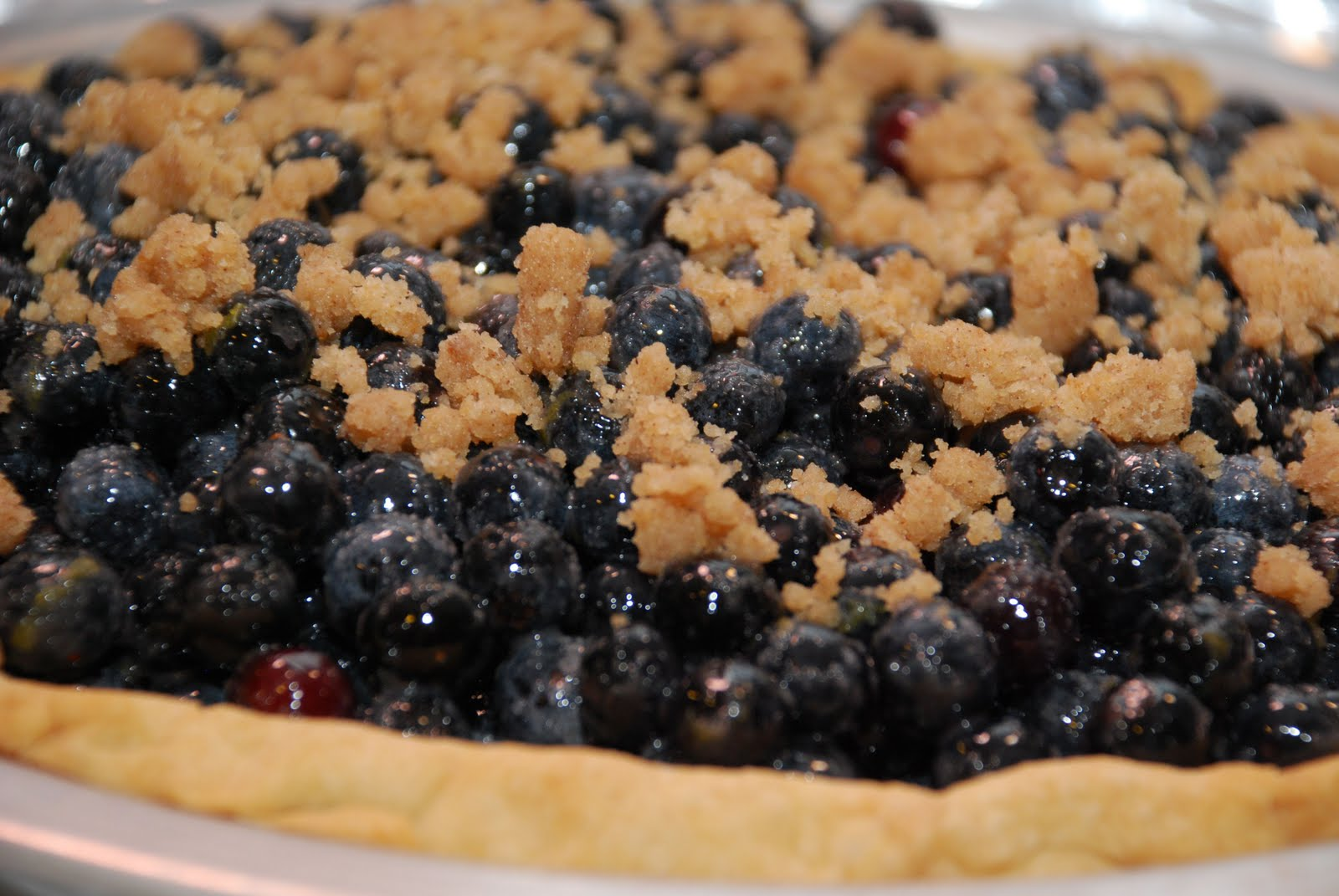 Tomatoes on the Vine: Blueberry Crumble Pie
