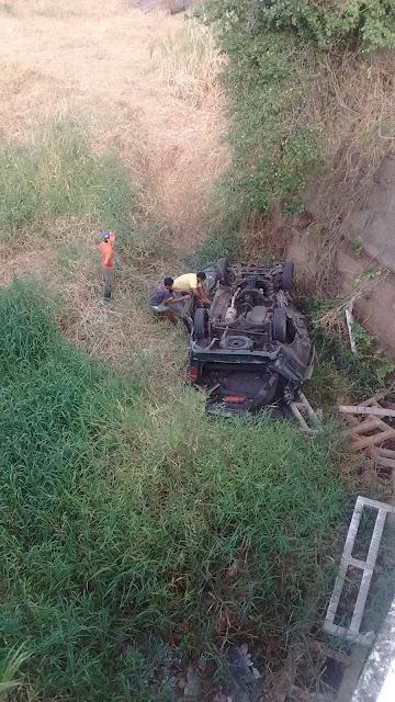 http://arcoverdeecia.blogspot.com.br/2015/12/grave-acidente-de-transito-na-br-424.html