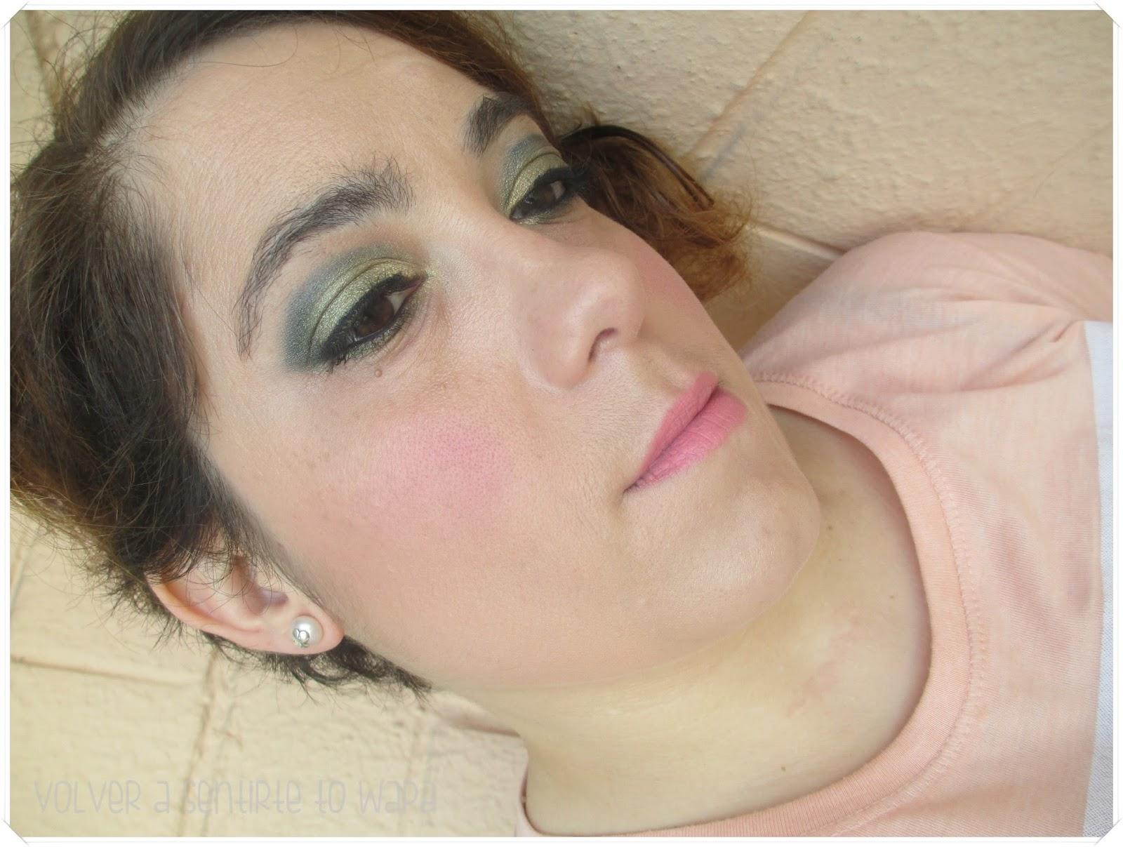 Maquíllate con dorado y verde {Pierre René}