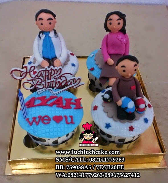 Cupcake Keluarga Tema Dokter Daerah Surabaya - Sidoarjo