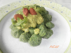 gnocchi di ortiche con pesto di rucola