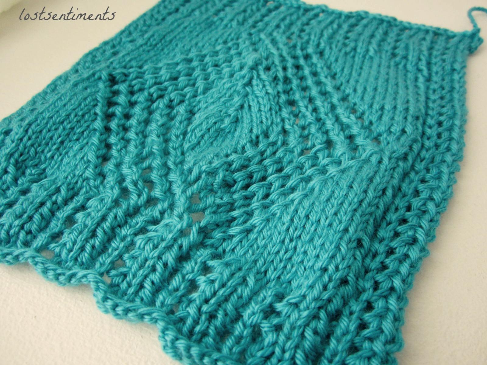 lostsentiments: Openwork Diamond Scarf - Free Knitting Pattern