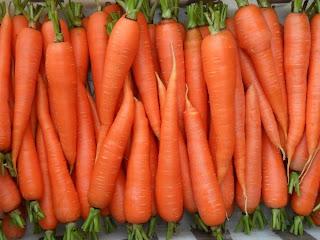1 августа, урожай молодой морковки