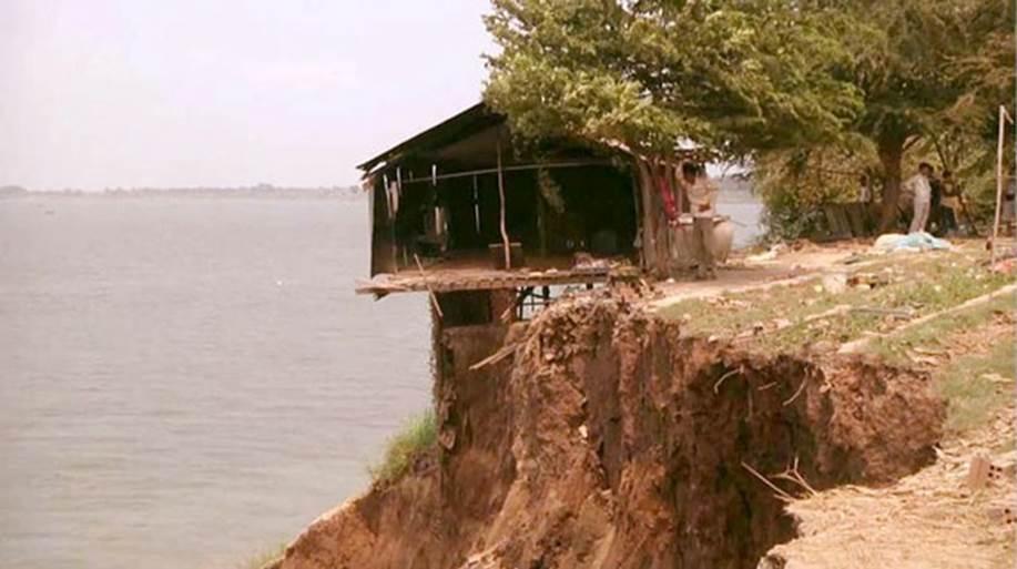 http://kimedia.blogspot.com/2015/03/cambodia-orders-temporary-halt-to-sand.html