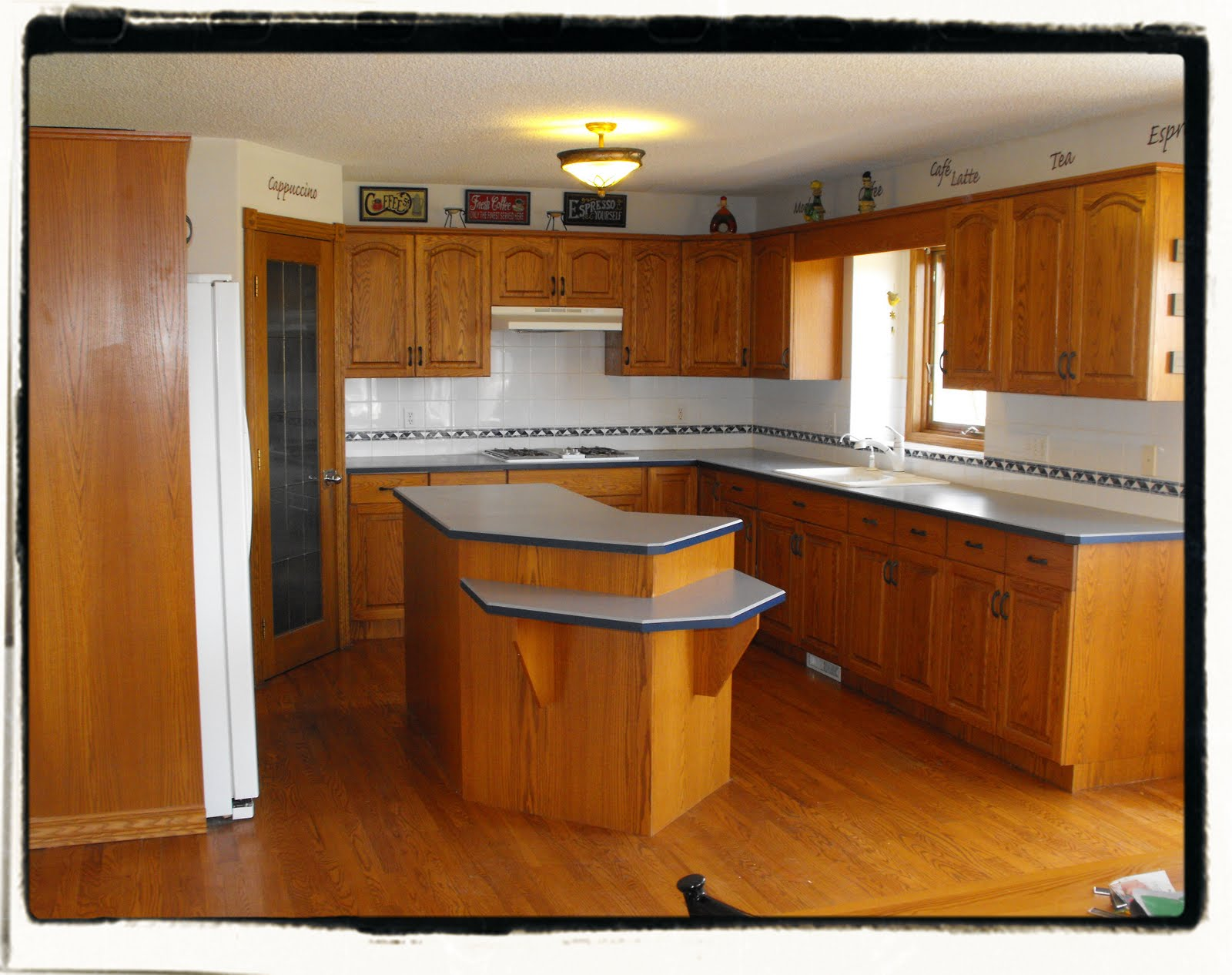 Ok, so I have this kitchen.