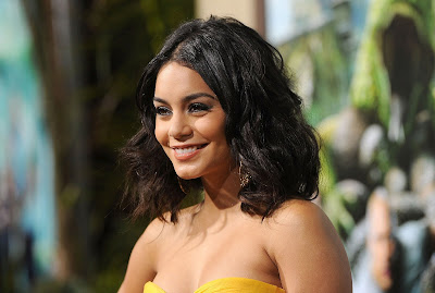vanessa hudgens film premiere in hollywood (hq) hot images