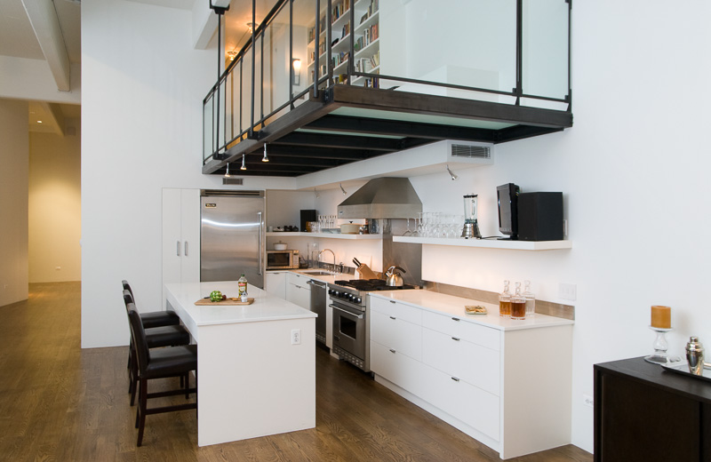 Loft con soppalco - Cucina con soppalco ...