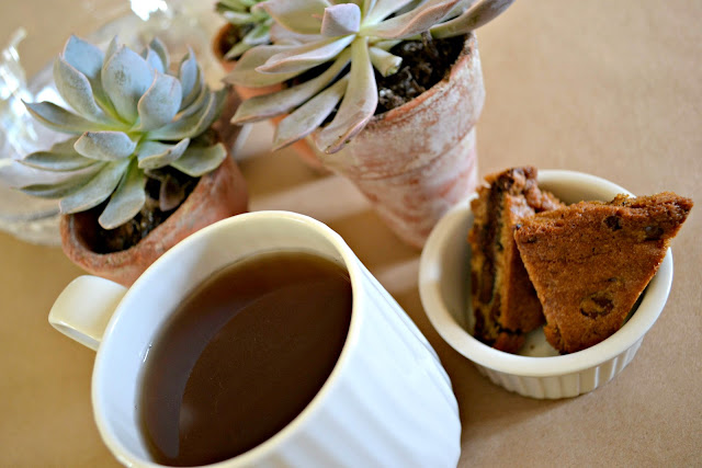 Mommy Testers me time with Bigelow vanilla chai tea and girl scout cookie blondies #cbias