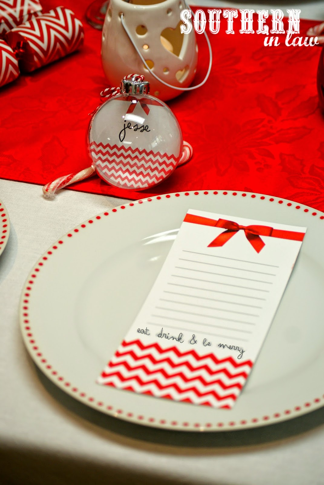Red and White Themed Christmas Table on a Budget plus Free Christmas Printables