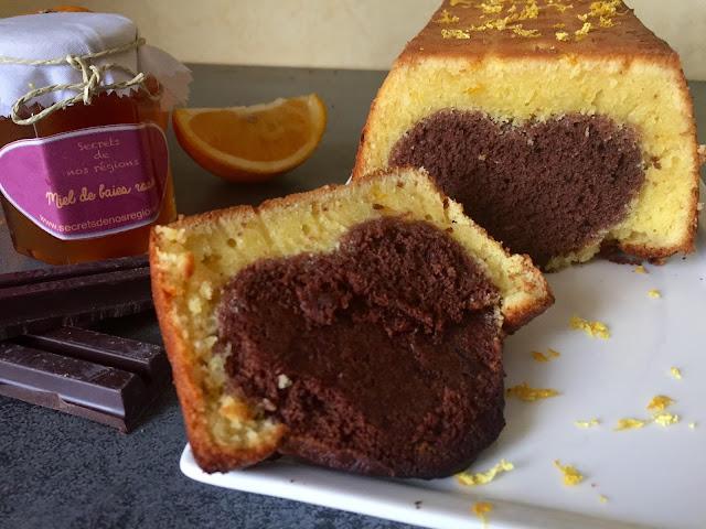 http://danslacuisinedecharlottine.blogspot.fr/2015/09/cake-lorange-miel-de-baies-roses-et.html