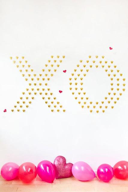 imagem com balões rosa alusiva ao dia de são valentim
