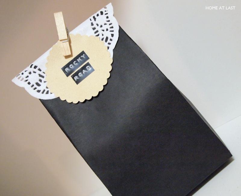 DIY paperipussi pitsillä
