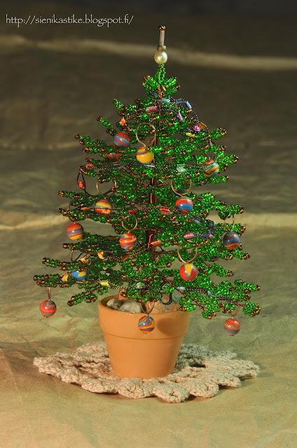 new year bead tree, christmas tree, helmipuu, joulukuusi helmeistä, kuusi