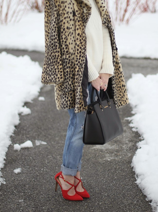 boyfriend jeans, Gap, JCrew, leopard coat, lulu looks, red heels, sole society,