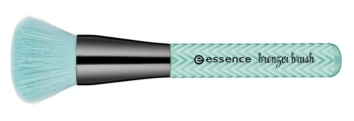 Essence Make Me Pretty Trend Edition Bronzer Brush