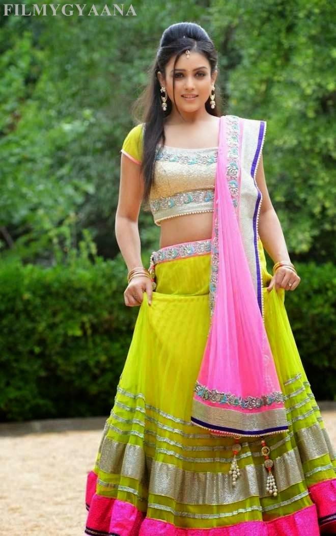 Mishti Chakraborty Stills From Chinnadana Nee Kosam Movie