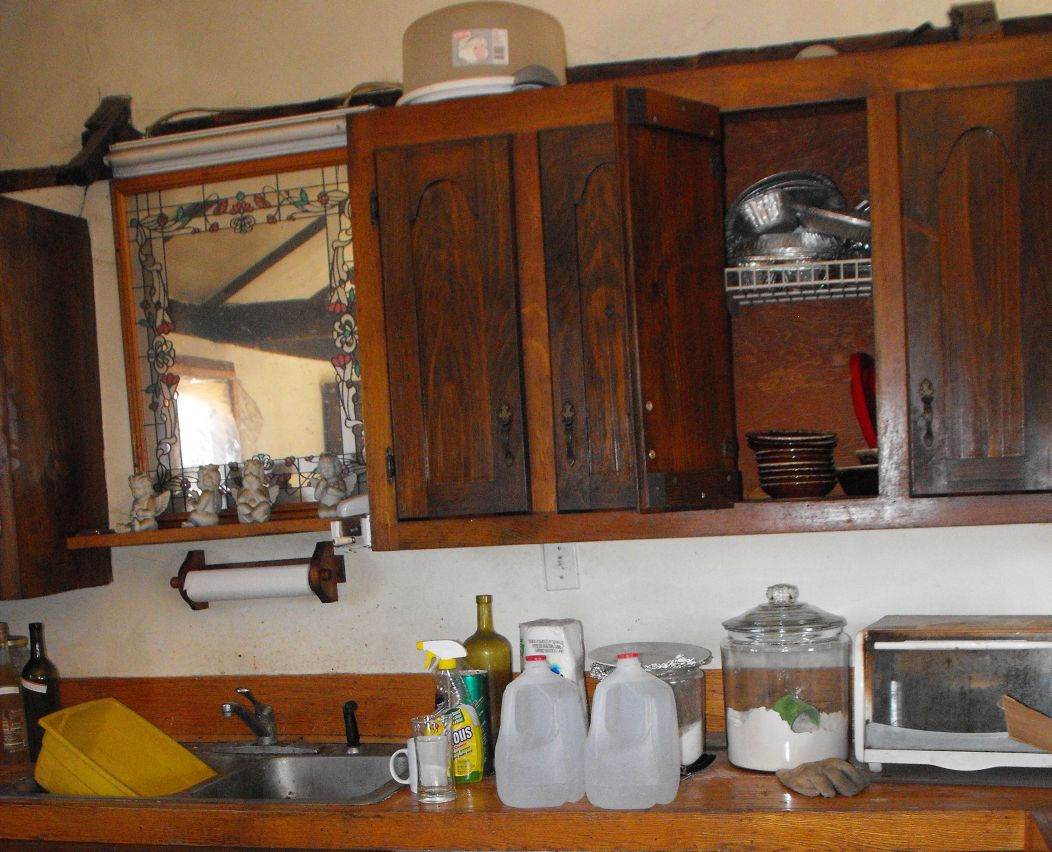 Kitchen Cabinets Made Out of Pallets