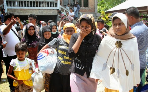 thida muslim Three muslim men who were accused of raping and killing a woman have been sentenced to death by a district court in kyaukphyu, western myanmar htet htet, mahmud rawphi, and khochi also known as myint swe, raped and killed thida htwe, 27 on 28 may in rakhine state, a court heard htet htet, who was .
