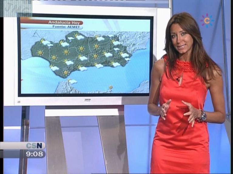 ANA CRISTINA RAMIEZ, Con un vestido rojo que resalta su increible figura (04.07.10) (RESUBIDO)