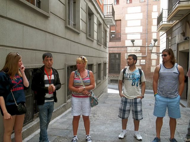 Free city tour of Madrid on Semi-Charmed Kind of Life