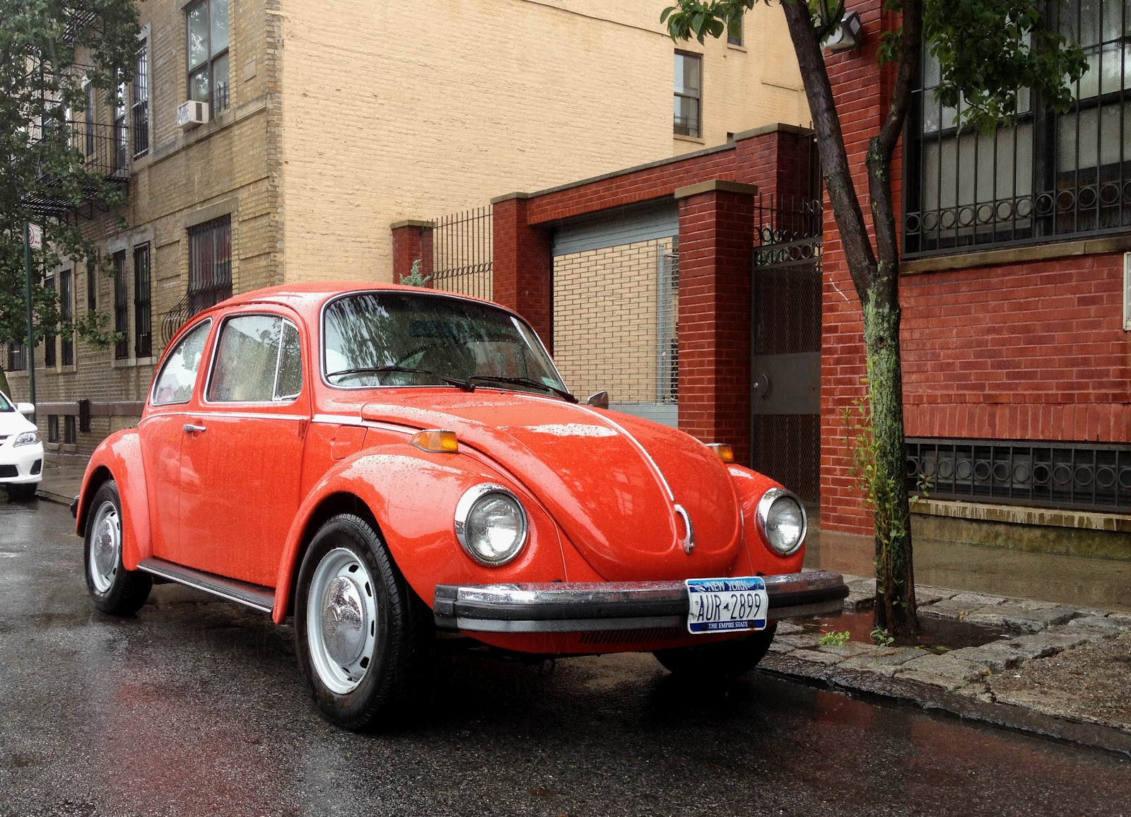 Spots besides 60907 further Spots moreover 1974 Volkswagen Super Beetle together with 1974 Cadillac Coupe De Ville 2 Door. on 1974 cadillac coupe de ville 2 door 9