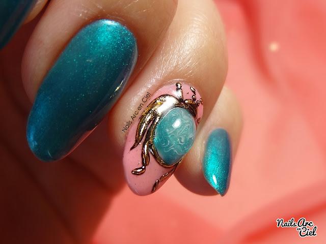 Nail art - Bijoux d'ongle Scarabée Égyptien en pierre liquide gel 3D et foil