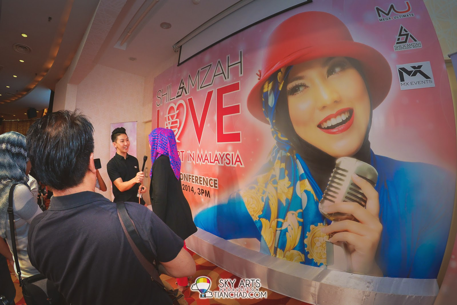 Shila Amzah interviewed by 8TV Station